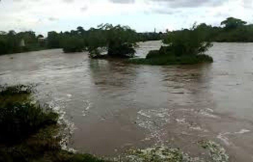 Três corpos são encontrados no Rio Cachoeira; polícia suspeita de acidente com canoa