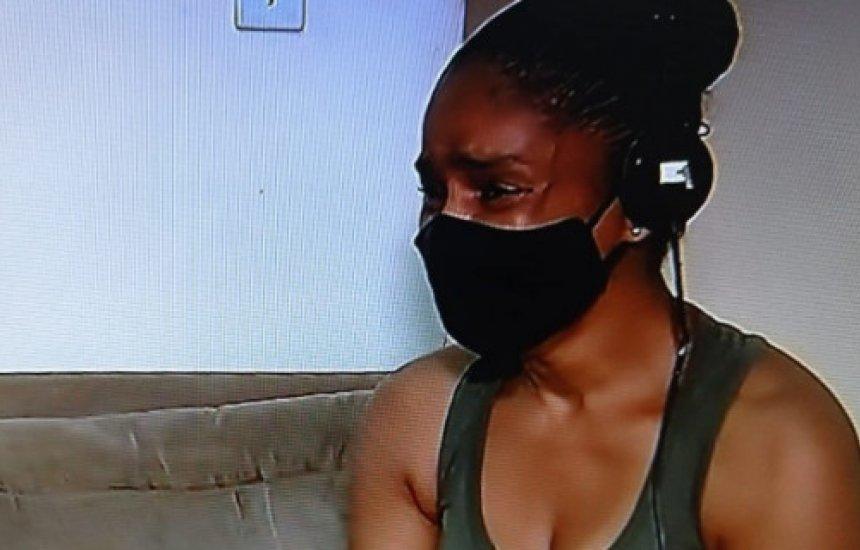"""[Mãe de ex-sócio da Black Style desaba após soltura de Iuri Sheik: """"Isso dói tanto""""]"""