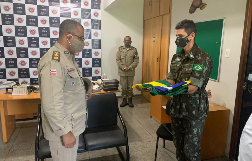 [Militares da 6ª Região Militar visitam instalações do Tiro de Guerra de Camaçari]