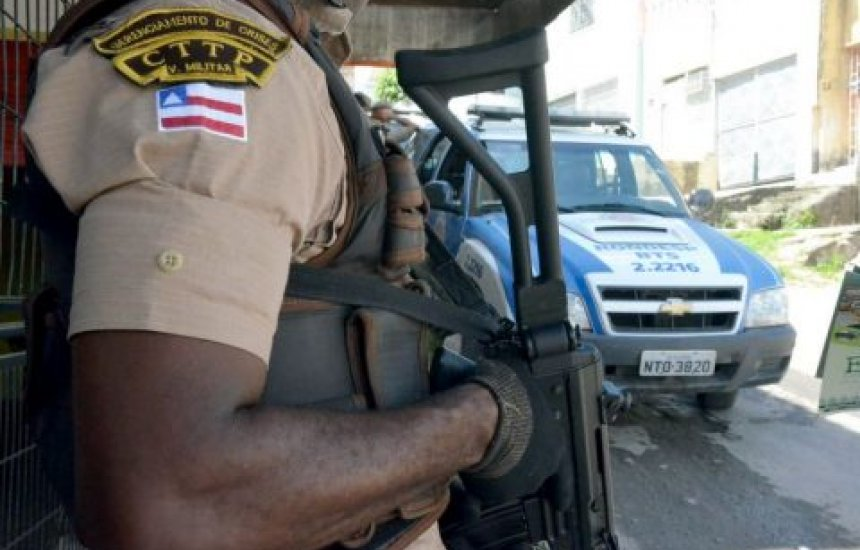[Homem morre após troca de tiros com policiais da Rondesp em Feira]