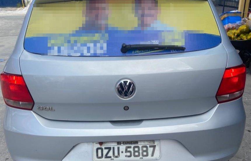 [Carro é tomado de assalto por três bandidos no Camaçari de Dentro]