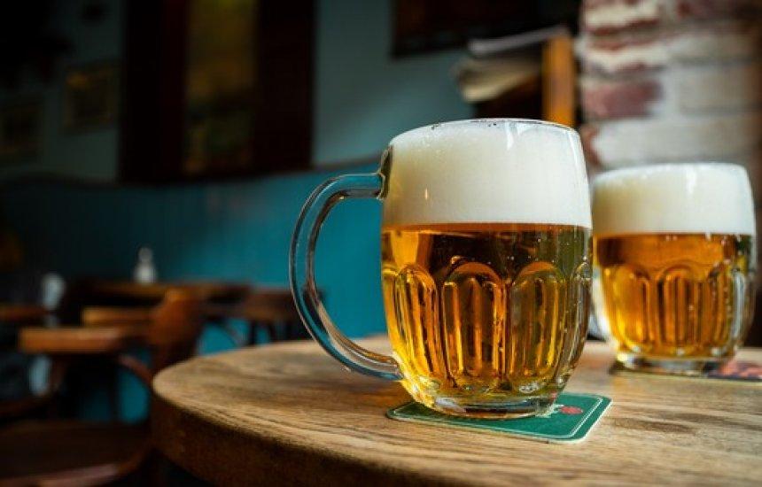 [Ambev deve ter alta de 8% na venda de cervejas no Brasil no 3º tri, diz Goldman Sachs]
