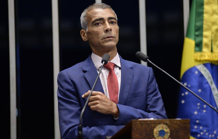 [Senador Romário quer proibir punição a manifestação política no esporte]