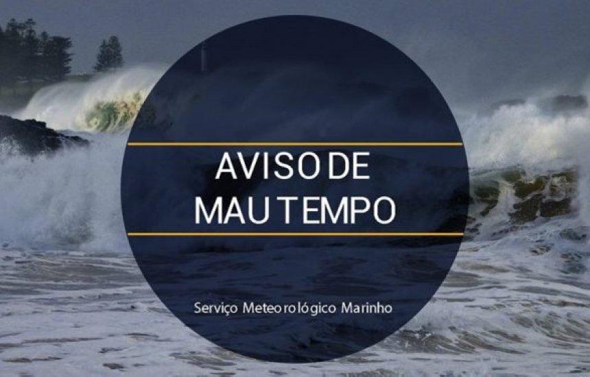 [Marinha emite alerta de mau tempo com previsão de ondas de até 5 metros de altura na Bahia]