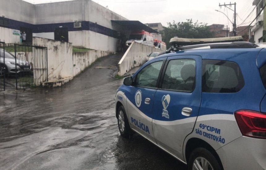 [Assaltantes de ônibus morrem em confronto com PMs que faziam segurança de UPA em Salvador]