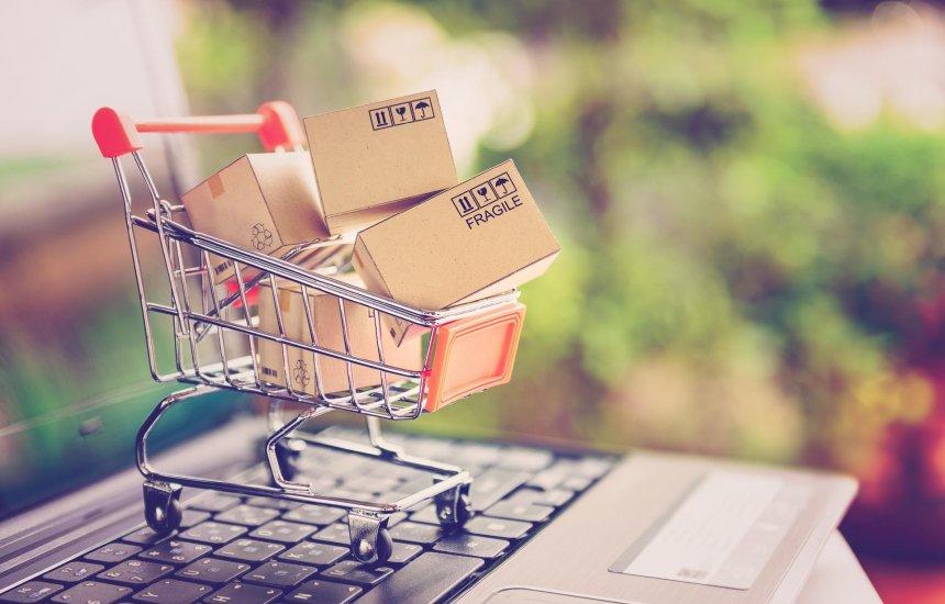 [Correios lança conteúdos com dicas para quem compra em sites do exterior]