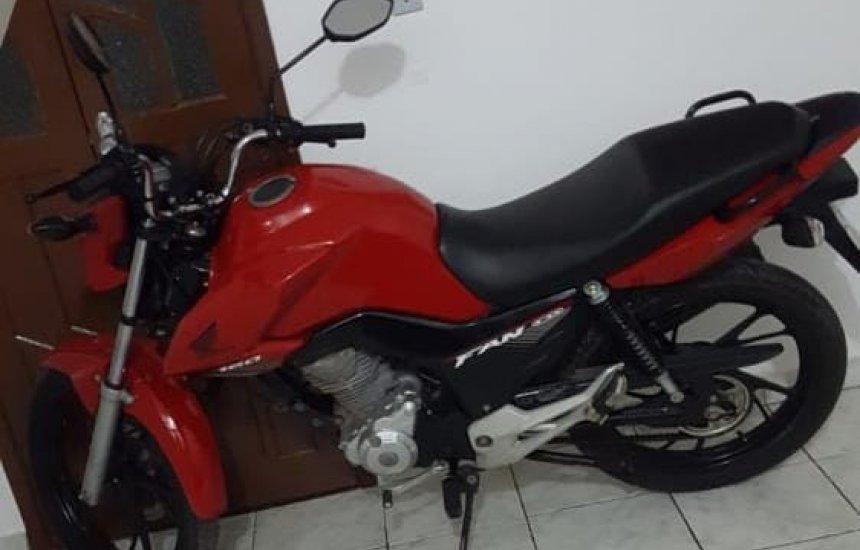 [Casal tem moto roubada durante assalto no Jardim Limoeiro]