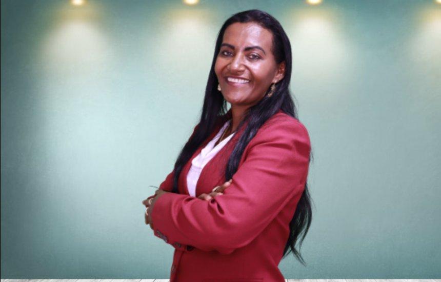 [Eleita vereadora, Professora Angélica promete representar a mulher negra na Câmara]