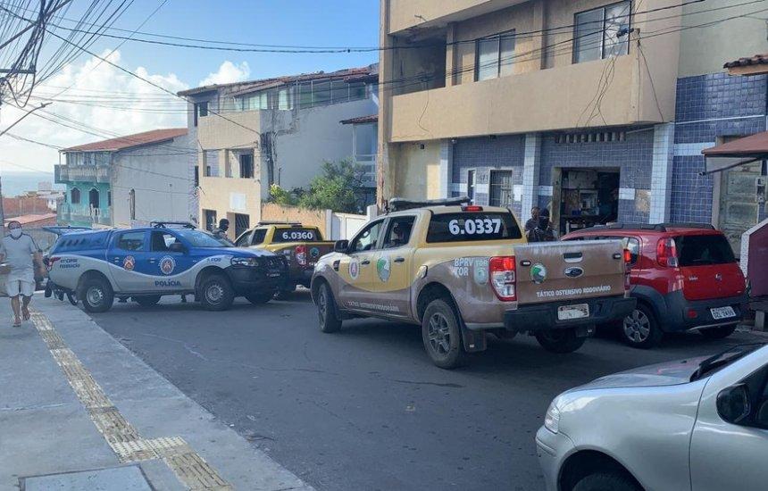 [Polícia deflagra operação contra facção no Nordeste de Amaralina; cinco são presos]