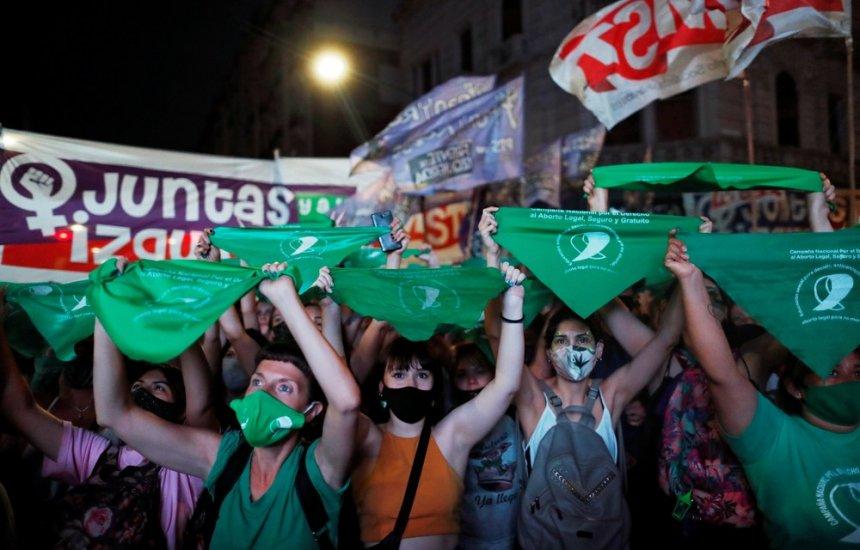 [Câmara da Argentina aprova legalização do aborto; projeto vai ao Senado]