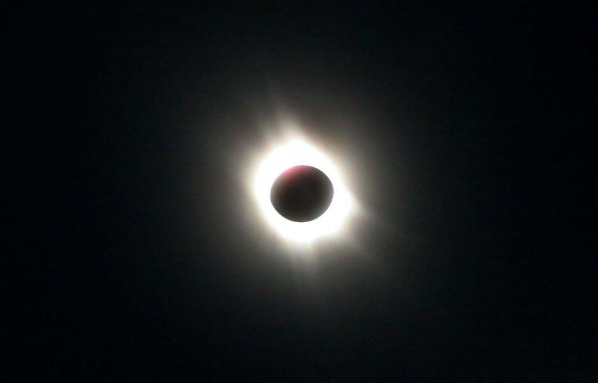 [Brasil terá eclipse solar parcial nesta segunda-feira; confira horário]