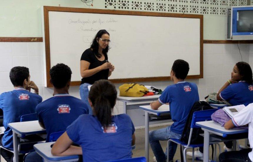 [Governo prorroga decreto que proíbe aulas em toda Bahia]