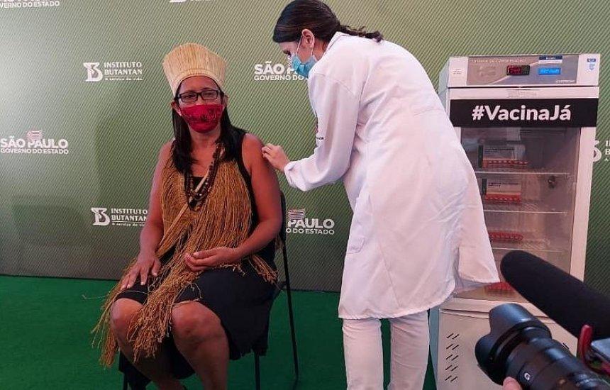 Baiana, primeira indígena vacinada pede: 'confiem na ciência, tomem a vacina'