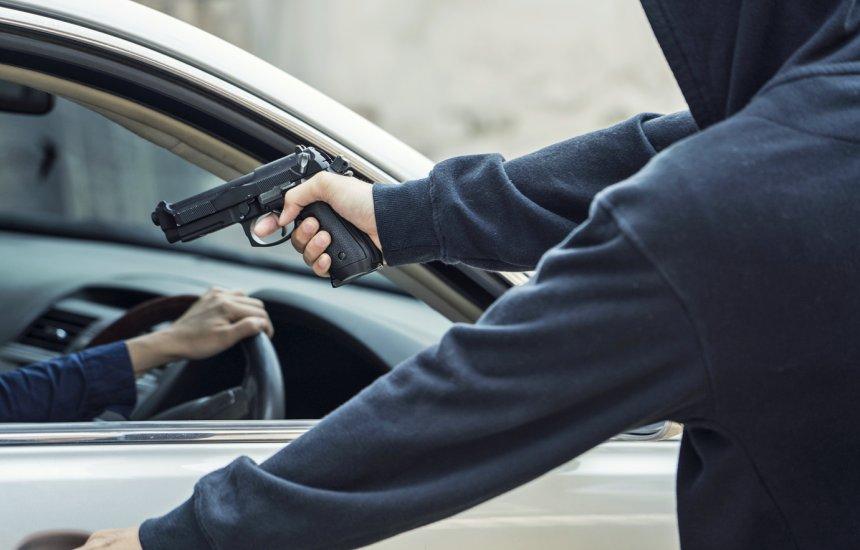 [Polícia registra roubo de carro na orla de Camaçari]