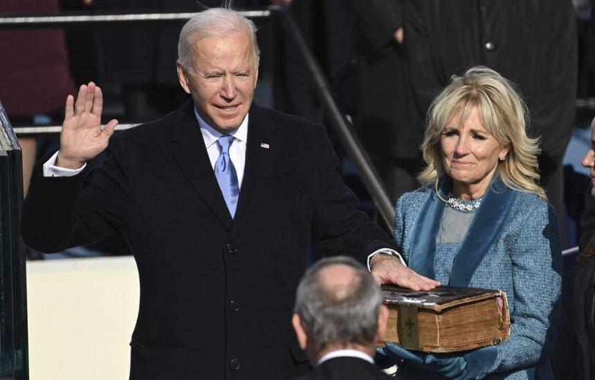 [Joe Biden toma posse como novo presidente dos Estados Unidos]