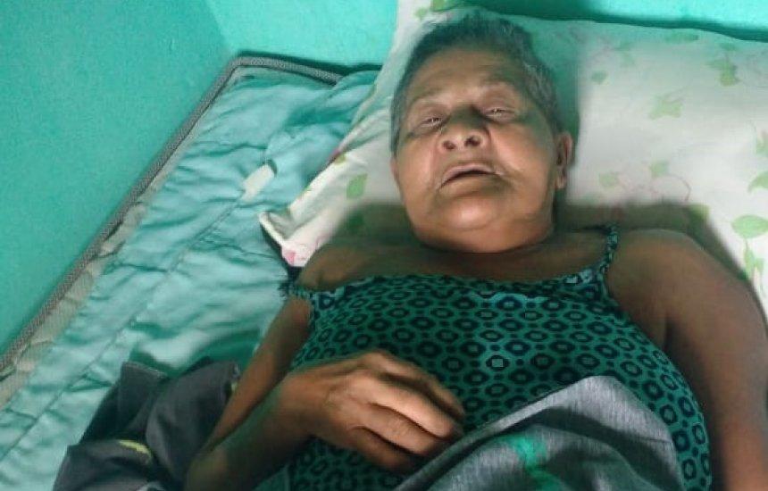 [Procura-se família de idosa que sofreu AVC em Manoel Vitorino]