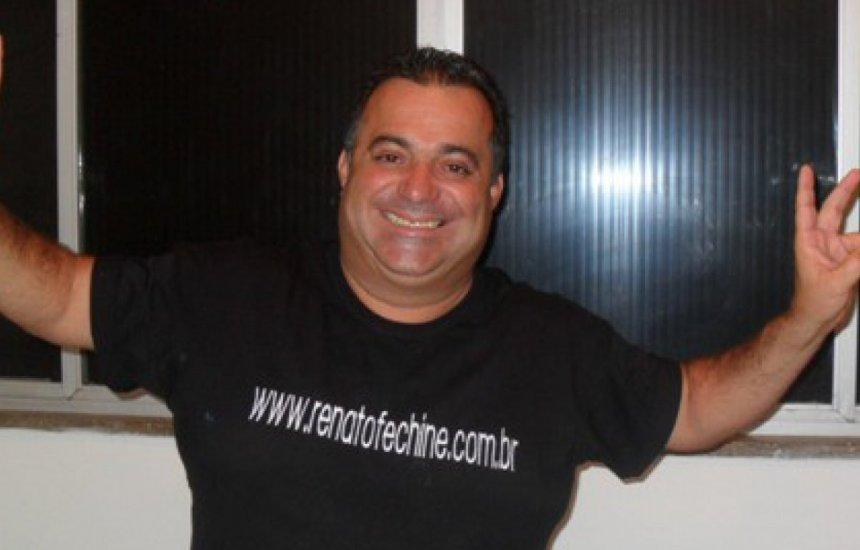 [Humorista e cantor Renato Fechine morre após sofrer infarto em casa]