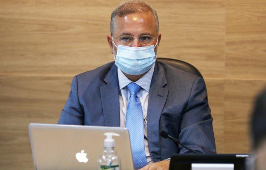 [Covid-19: Secretário da Saúde da Bahia tem piora no quadro clínico e vai para UTI]