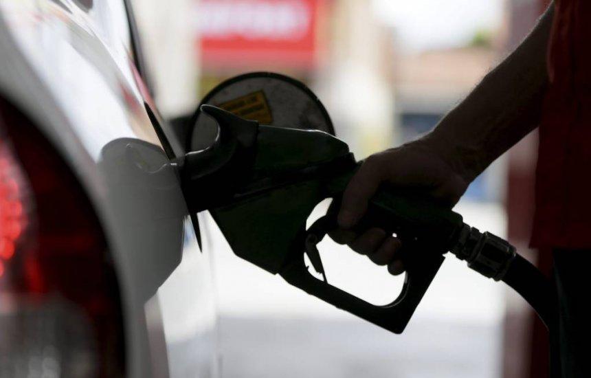 [Decreto do presidente Bolsonaro obriga posto a mostrar composição do preço do combustíveis]