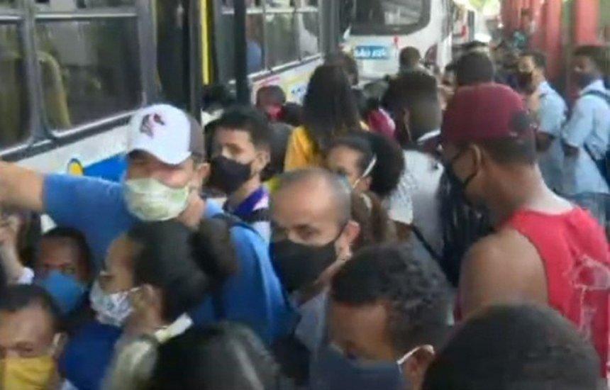 [Moradores de Feira de Santana reclamam de superlotação em ônibus da cidade: 'Igual a lata de sardinha']