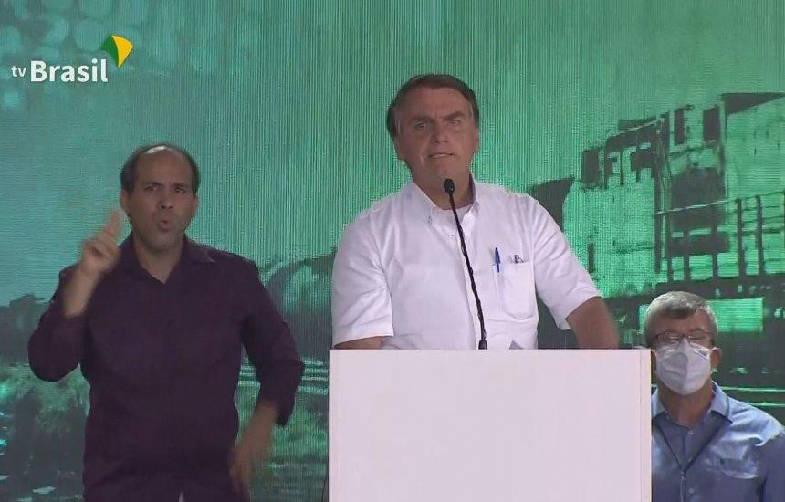 [Covid-19: Bolsonaro volta a criticar medidas restritivas no Brasil]