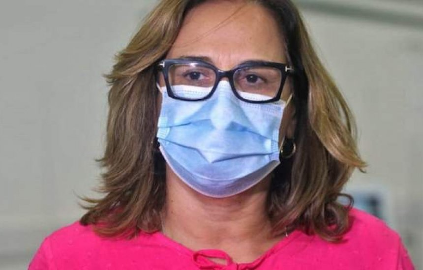 [Subsecretária da Saúde diz que sistema segue em pré-colapso e que governo busca médicos formados fora do país]