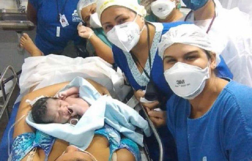 Mulher dá à luz sem saber que estava grávida no bairro de Pau Miúdo