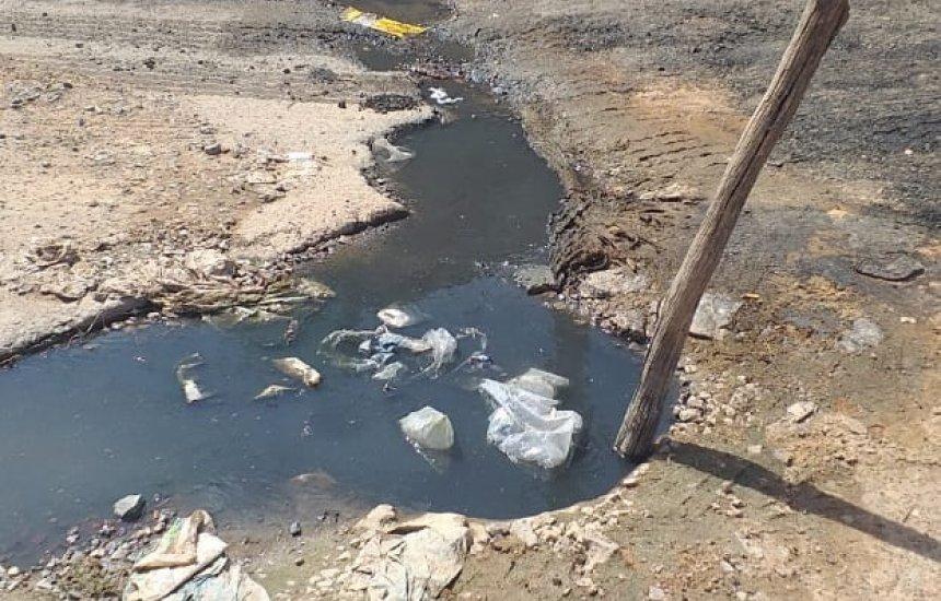 [Seu Bairro no CN: morador reclama de buracos e vazamento de esgoto no Santo Antônio]