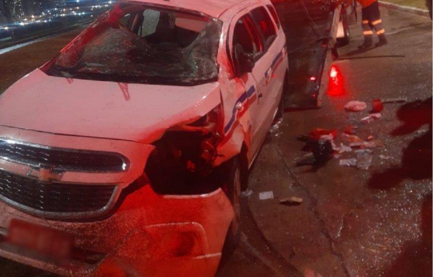 [Taxista sofre emboscada de assaltantes e fica ferido após capotar veículo na Avenida Bonocô]