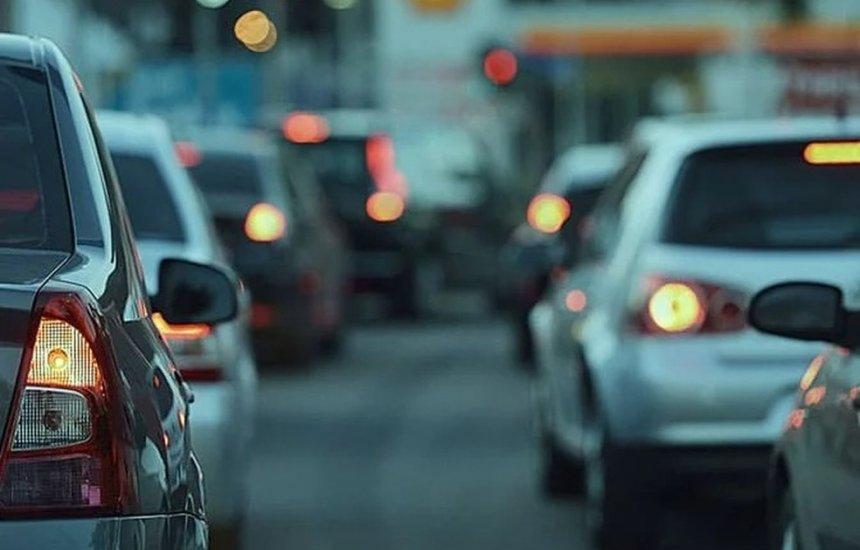 [Donos de veículos com placas de final 3 e 4 têm até final do mês para ter desconto de 5%]