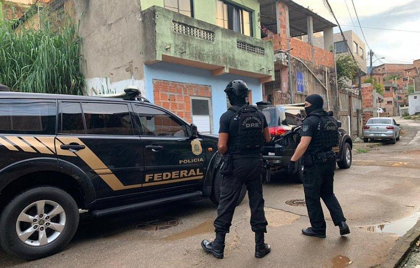 [Operação contra tráfico internacional de drogas cumpre mandados na Bahia]