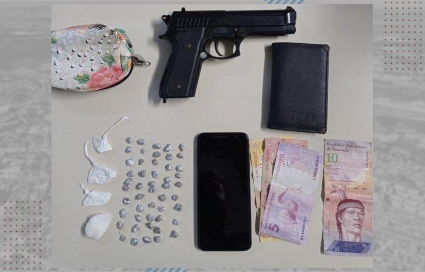 [Dupla é presa no Camaçari de Dentro com simulacro, drogas e dinheiro venezuelano]