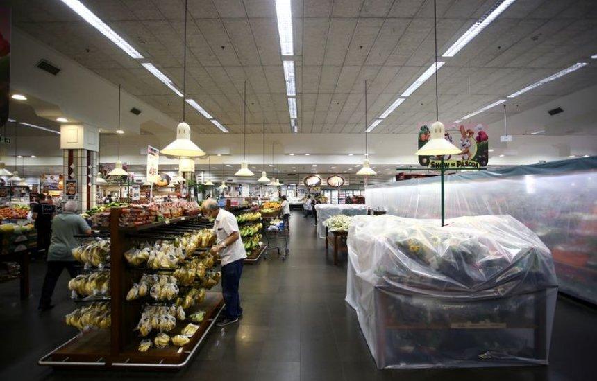 [Vendas do varejo caem 0,6% em março ante fevereiro, revela IBGE]