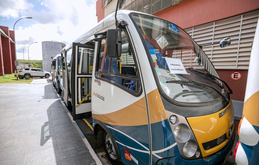 [Ministério da Cidadania entrega micro-ônibus para suporte à rede socioassistencial em Camaçari]