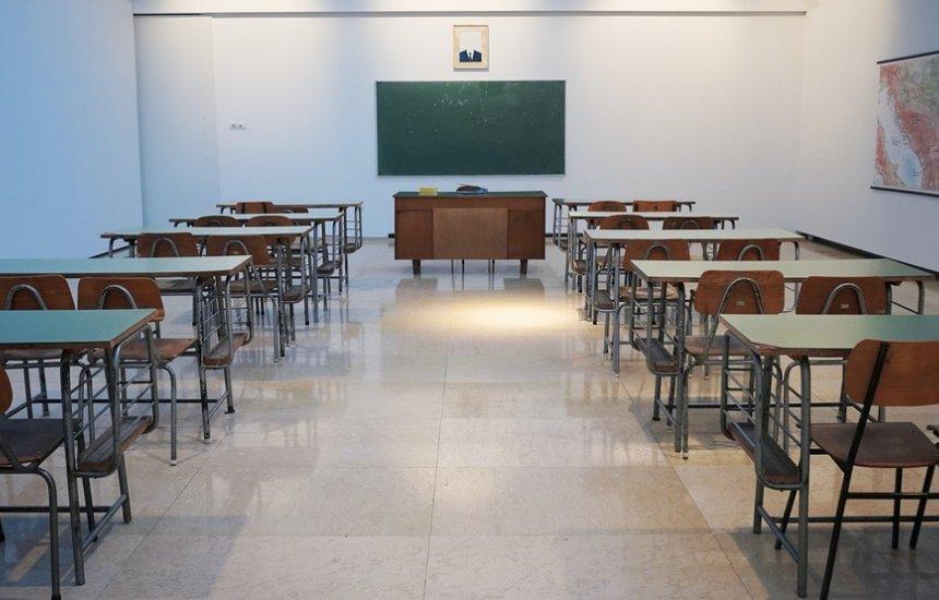 [Decreto mantém aulas presenciais suspensas em Lauro de Freitas]