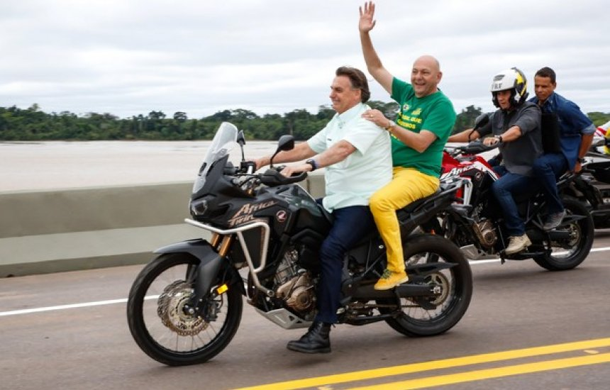 [Bolsonaro acena para isenção de pedágio para motos em rodovias]