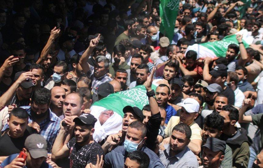 [Número de mortos em Gaza sobe para 83; Israel anuncia envio 'massivo' de forças de segurança]