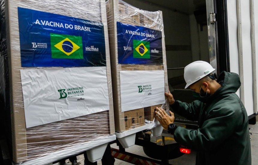 [Butantan retoma entregas e libera 800 mil doses da CoronaVac ao Ministério da Saúde após quase um mês]