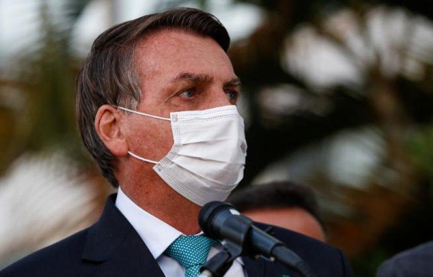 [Bolsonaro volta a defender desobrigação de máscara para vacinados, mas diz que decisão será de governadores]