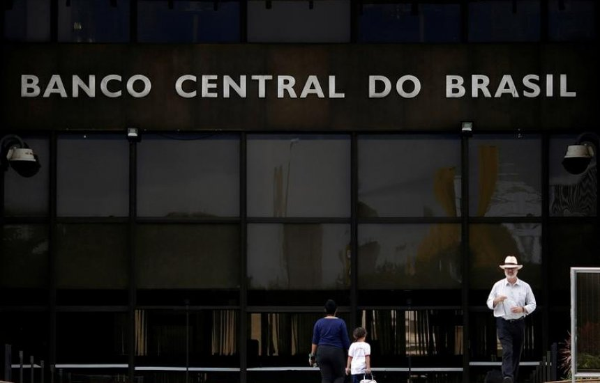 [Barroso pede vista, e STF suspende julgamento sobre autonomia do Banco Central]