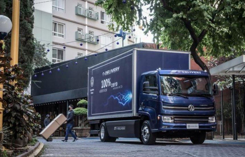 [Volkswagen: Caminhão elétrico chega às concessionárias brasileiras]