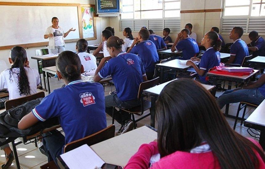 [Pesquisa aponta que 132 cidades baianas desejam voltar às aulas presenciais só em 2022]