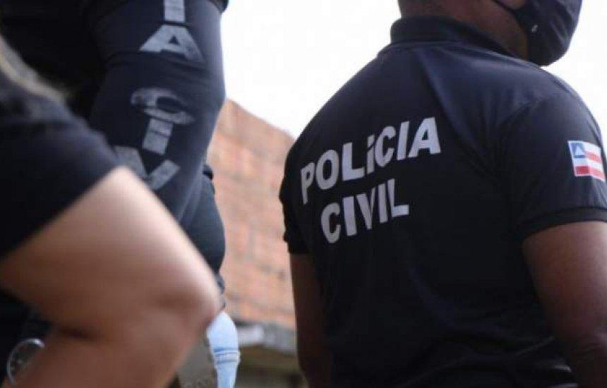 [Bahia: suspeito de matar o próprio irmão é preso após se esconder em cima de guarda-roupa durante fuga]