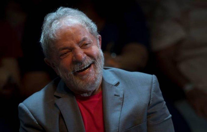 [Lula amplia vantagem sobre Bolsonaro em pesquisa contratada pelo PSL]