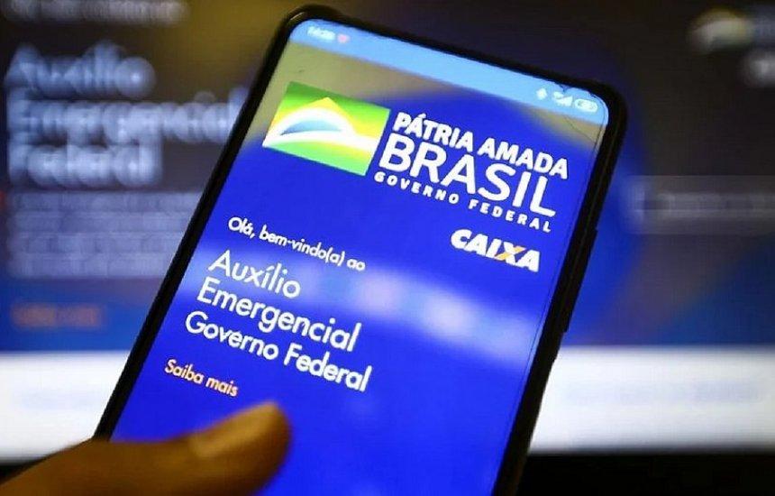[Bolsonaro diz que vai manter auxílio emergencial se pandemia continuar]