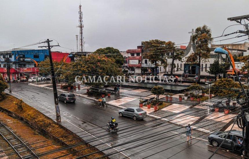 [Final de semana será de tempo nublado e pancadas de chuva em Camaçari]