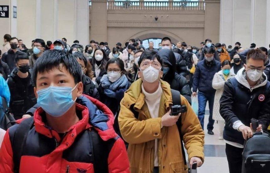 [China volta a registrar casos de Covid em Wuhan, no pior surto dos últimos meses]