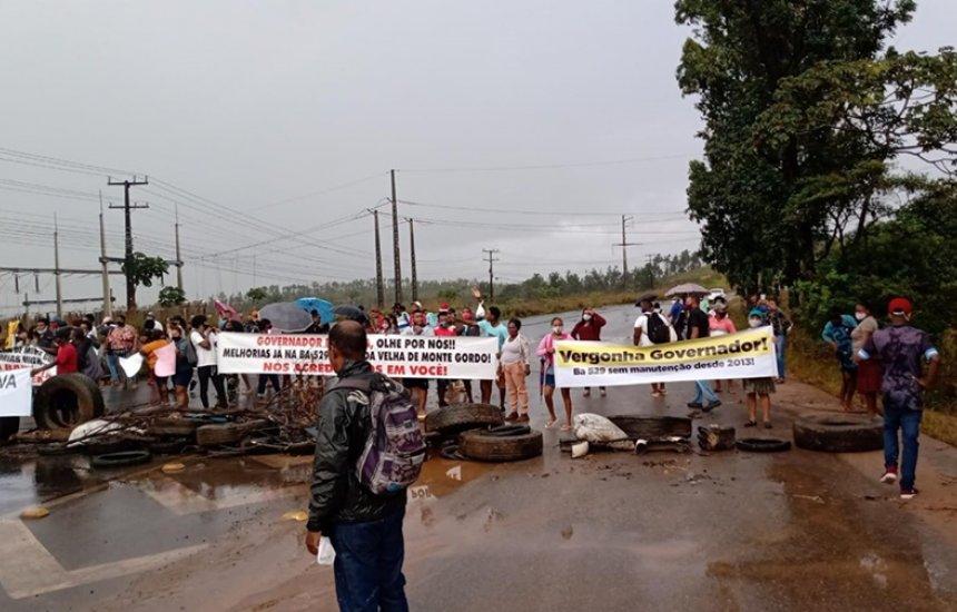 [Moradores da zona rural de Camaçari e Dias d'Ávila protestam por melhorias na BA-512]