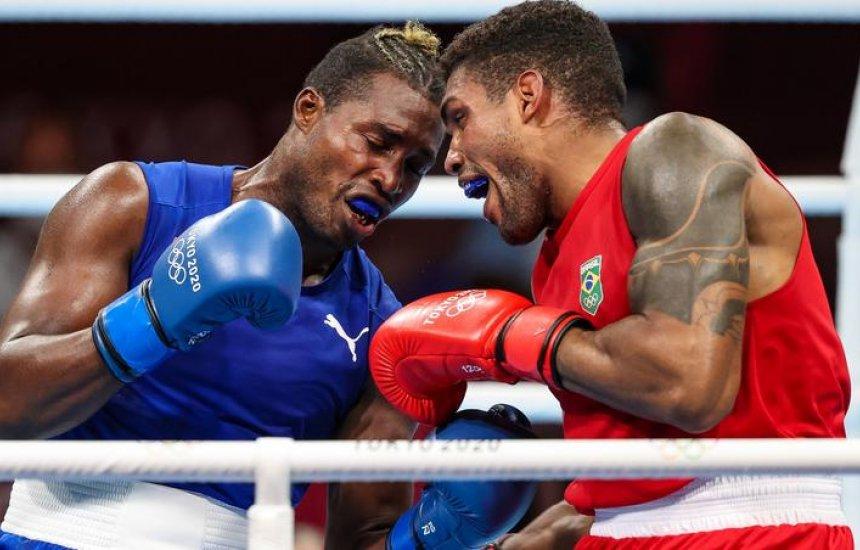 Abner Teixeira perde para cubano e fica com o bronze no boxe nas Olimpíadas