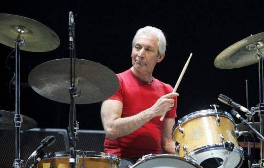 [Morre Charlie Watts, baterista dos Rolling Stones, aos 80 anos]